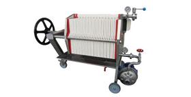 / výroba / pivovarské komponenty / příprava piva na prodej / filtrace piva / deskové filtry /